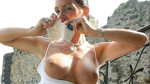 Kinky Carmen discount
